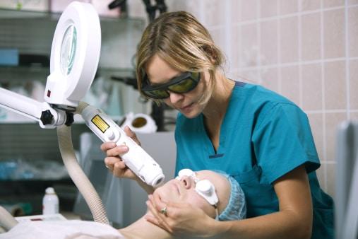 Quel est le meilleur traitement pour le visage?